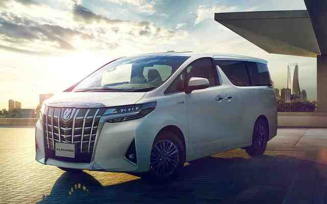 37 The 2020 Toyota Alphard Exterior