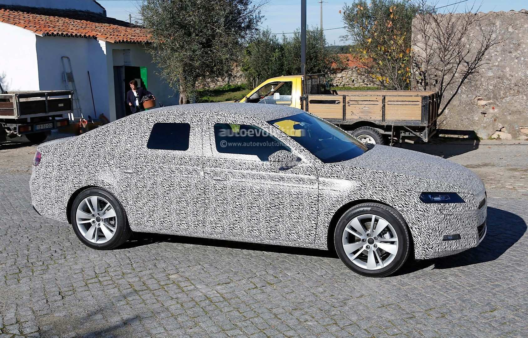 37 The Spy Shots Skoda Superb Picture