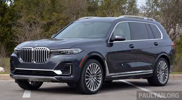 38 A 2019 BMW X7 Photos