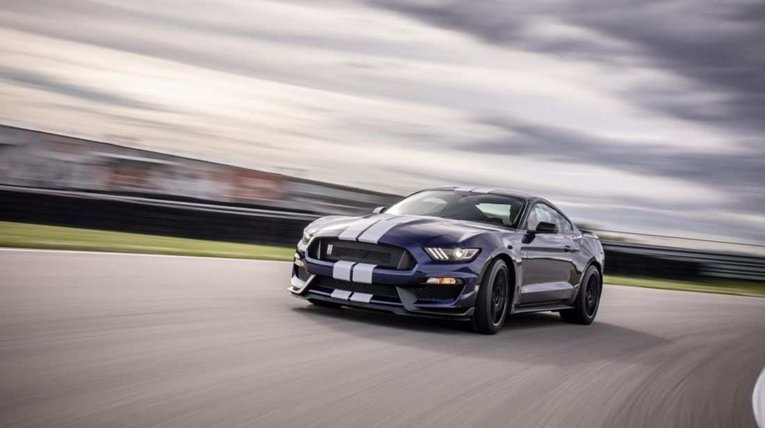 38 A 2019 Ford GT350 Wallpaper