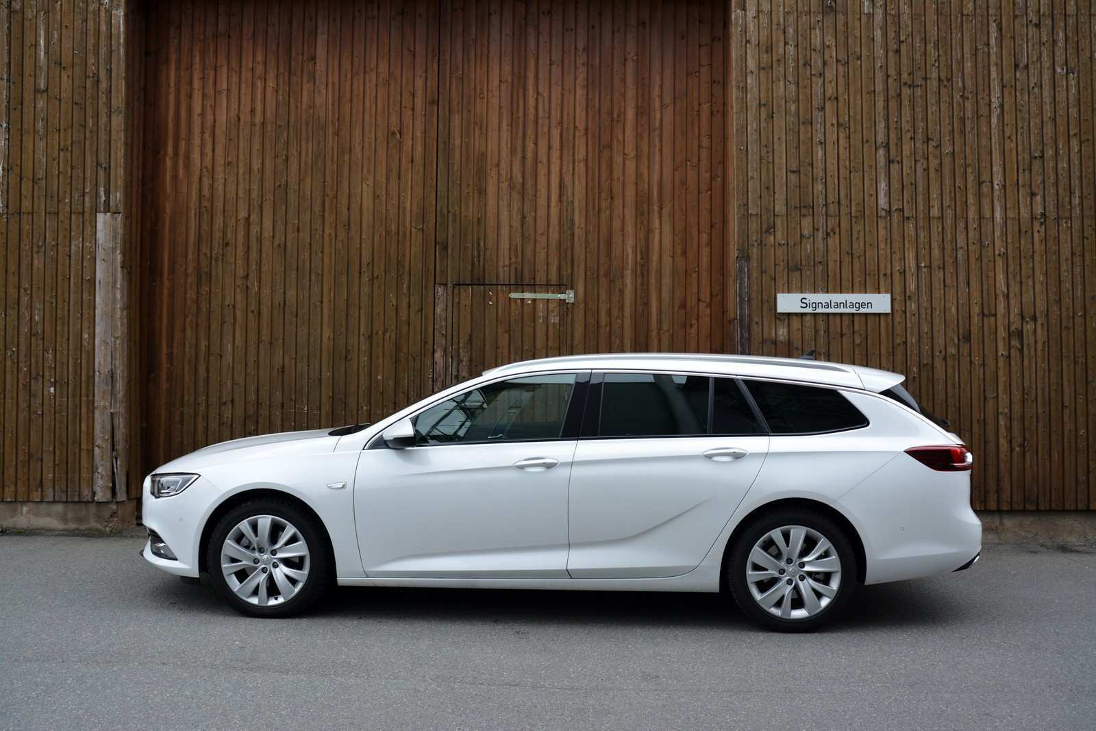 38 A 2019 Opel Insignia Prices