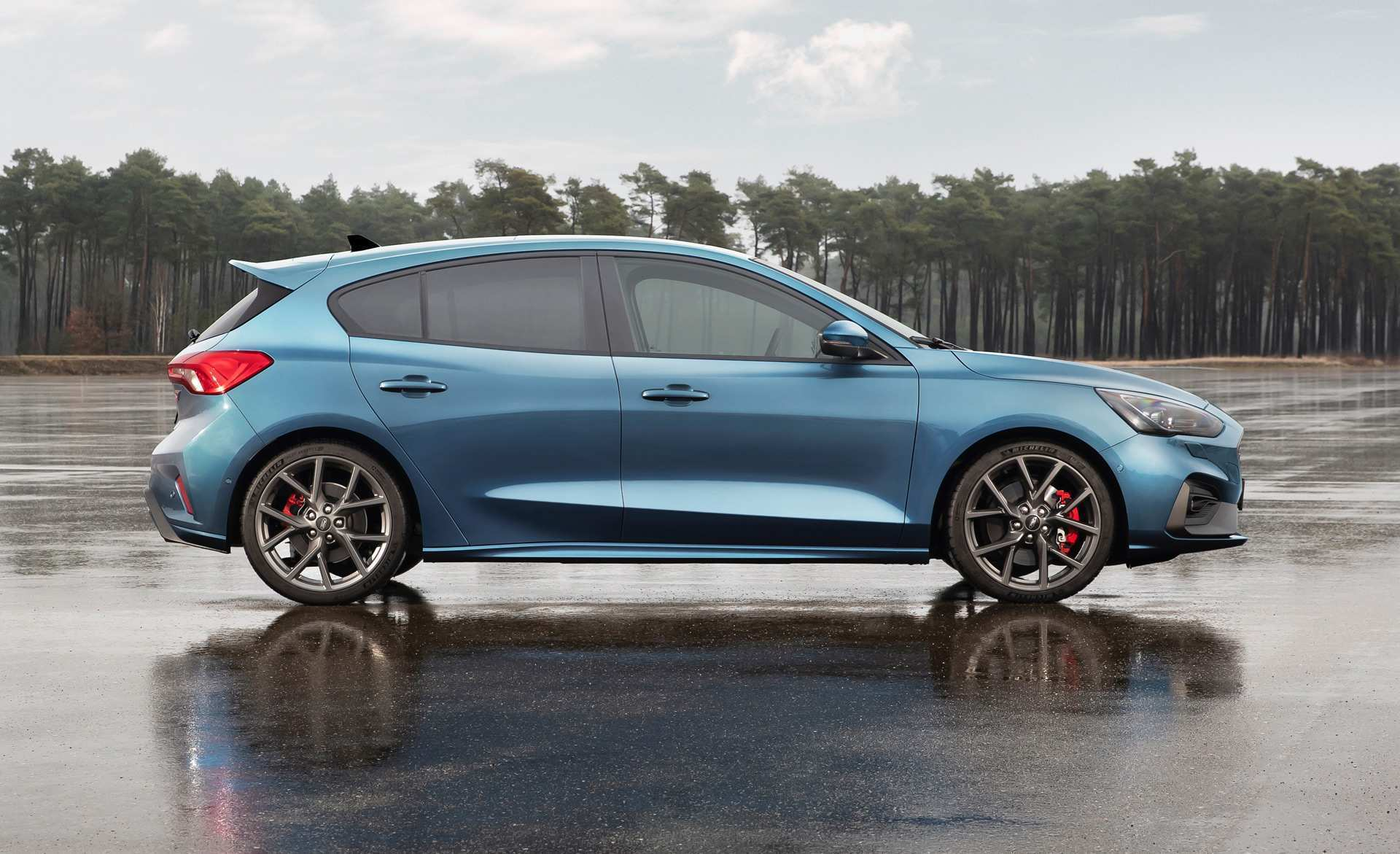 38 A 2020 Ford Focus RS Picture