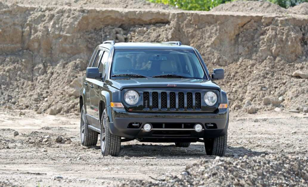 38 A 2020 Jeep Patriot Picture