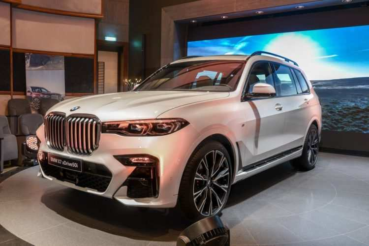 38 The 2019 BMW X7 Images