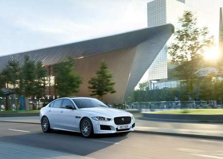 38 The 2019 Jaguar Xe Landmark Speed Test