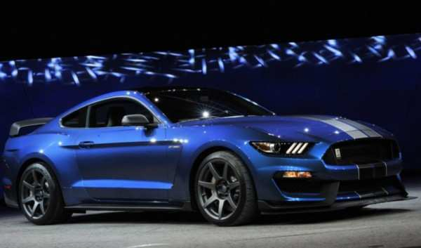 39 A 2020 Ford GT350 Configurations
