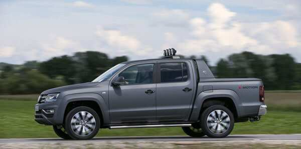 39 A 2020 VW Amarok Wallpaper
