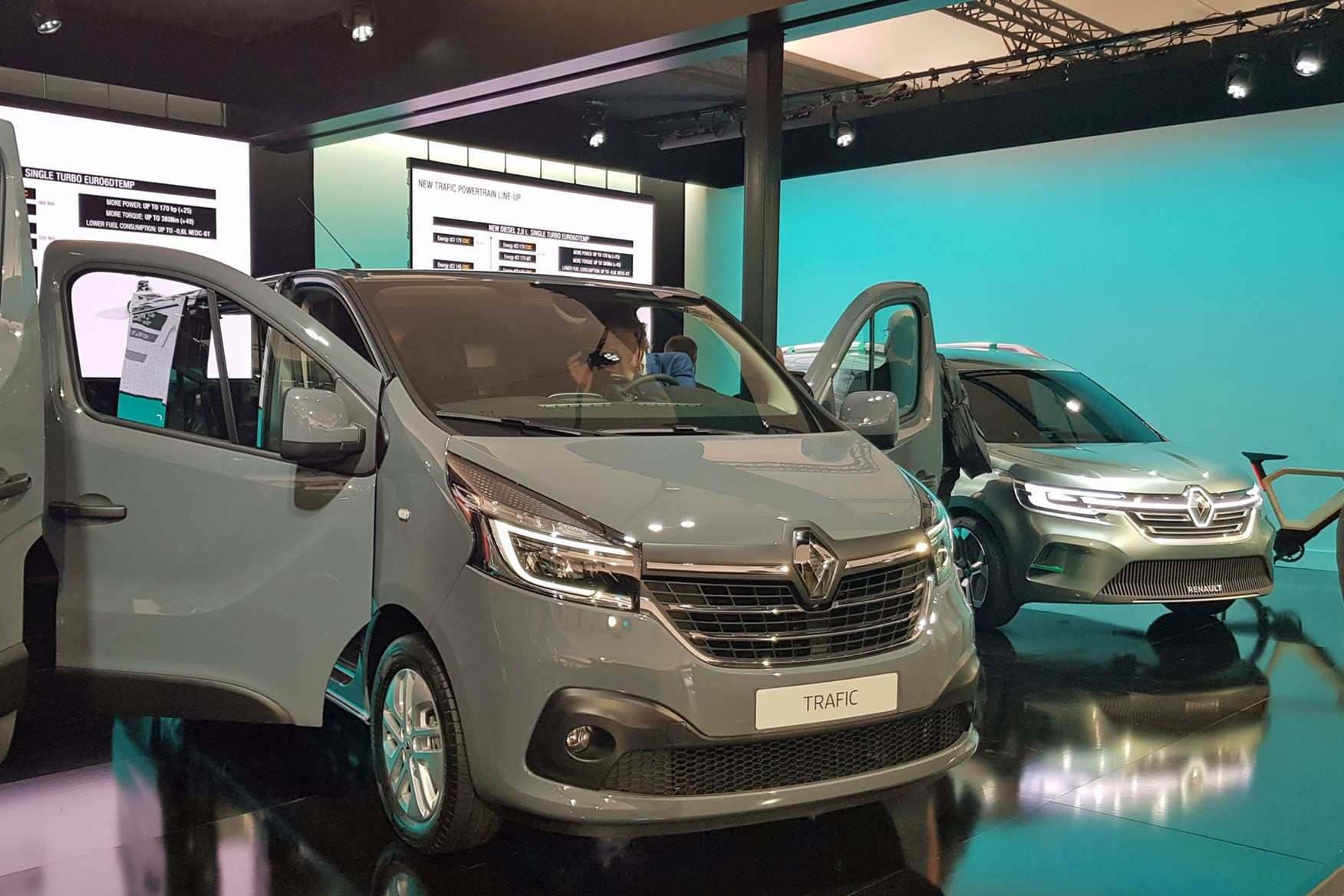 39 All New 2019 Renault Trafic History