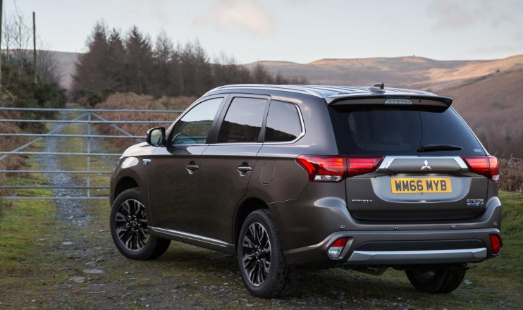 39 The Best 2020 Mitsubishi Outlander Phev Range Exterior And Interior