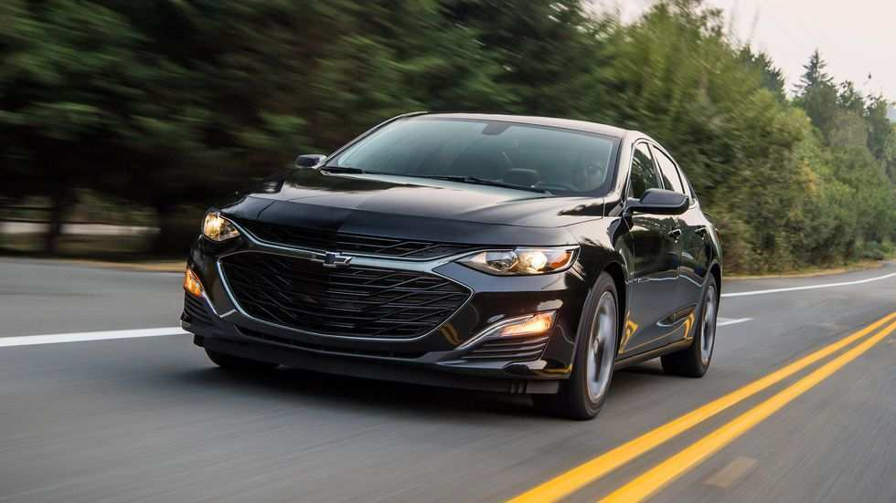 40 A 2019 Chevy Malibu Photos