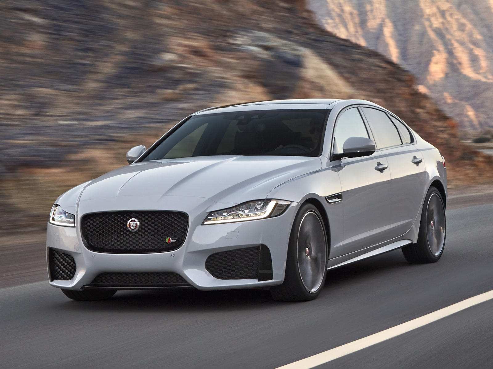 40 The 2019 Jaguar XF Performance And New Engine