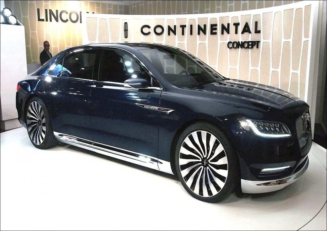 40 The 2019 Lincoln Town Overview
