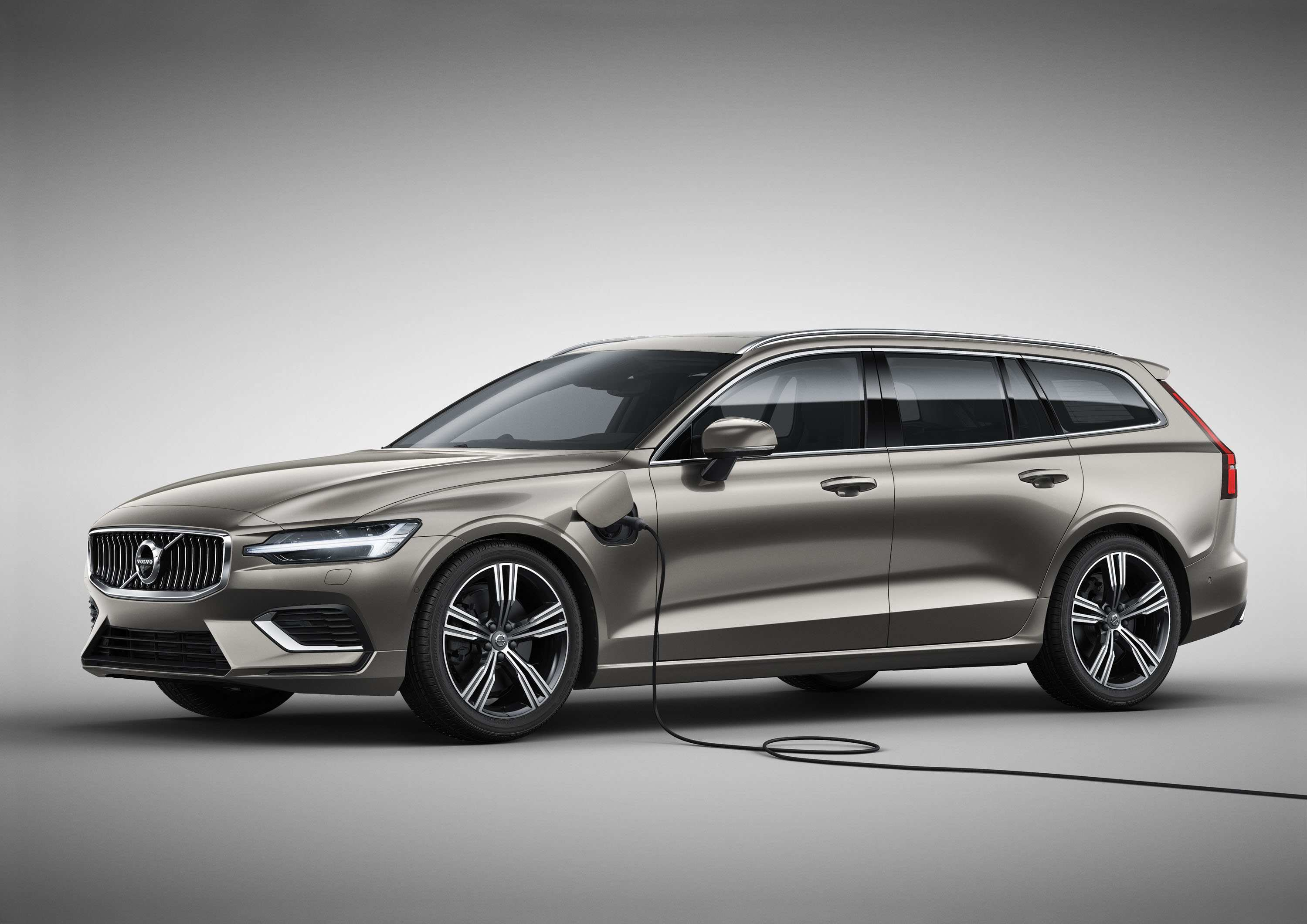 40 The 2019 Volvo Station Wagon Exterior
