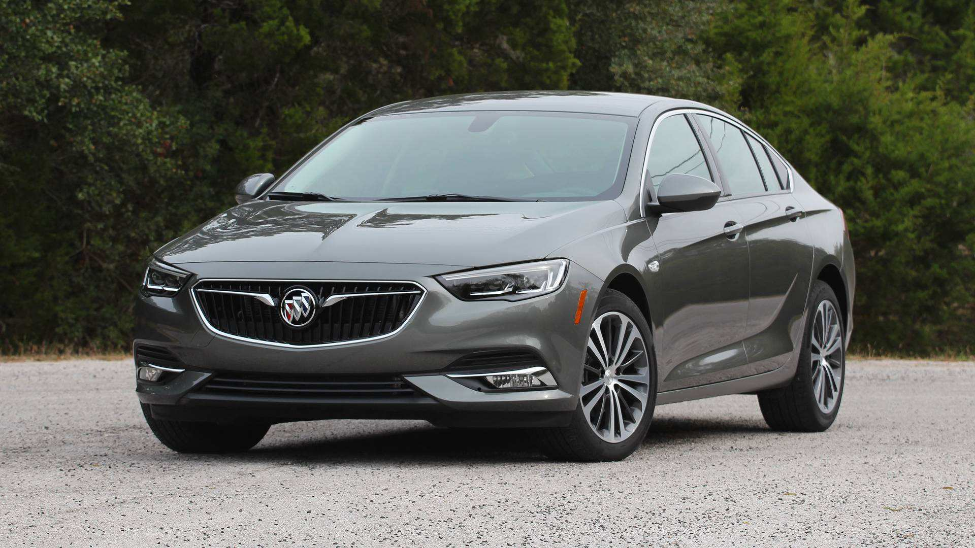 41 The 2019 Buick Regal Picture