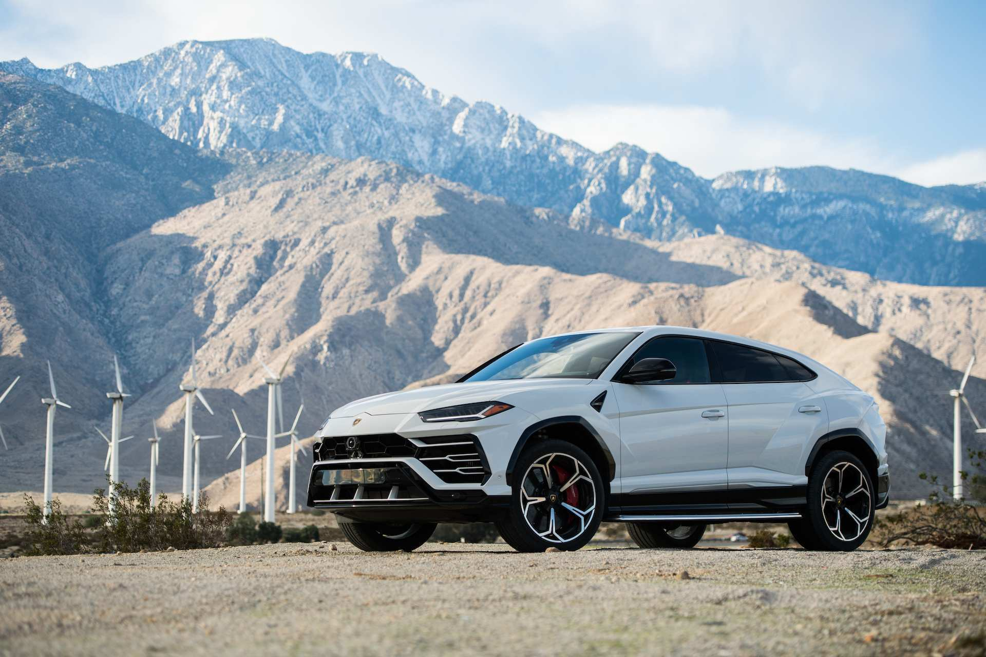 41 The 2019 Lamborghini Urus Pictures