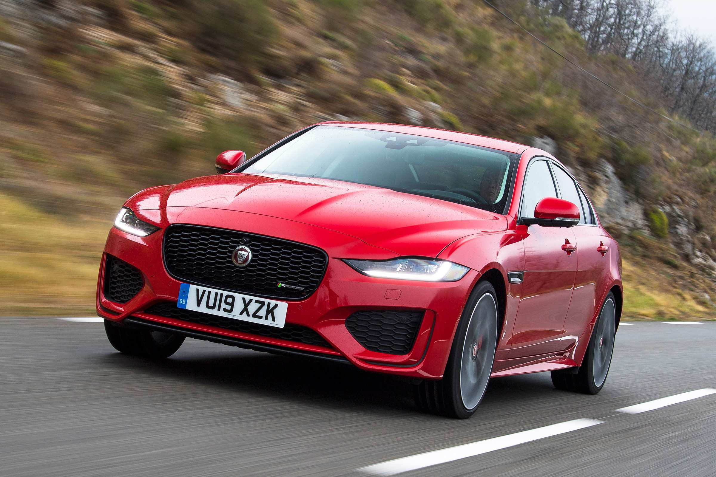 41 The Jaguar Xe 2019 Review