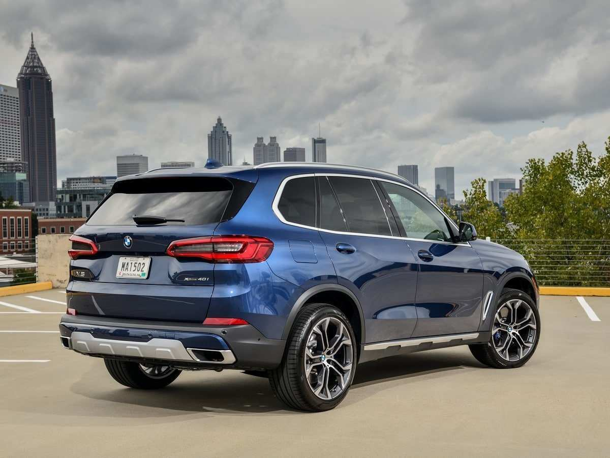 42 A 2019 BMW X5 Pictures