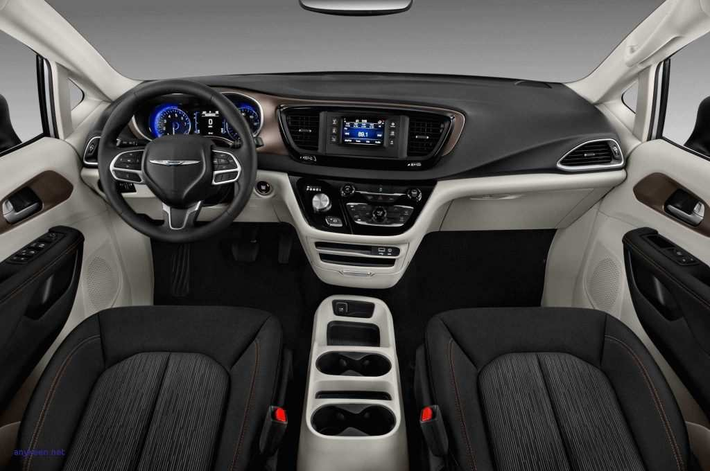 42 A 2019 Chrysler Town Images