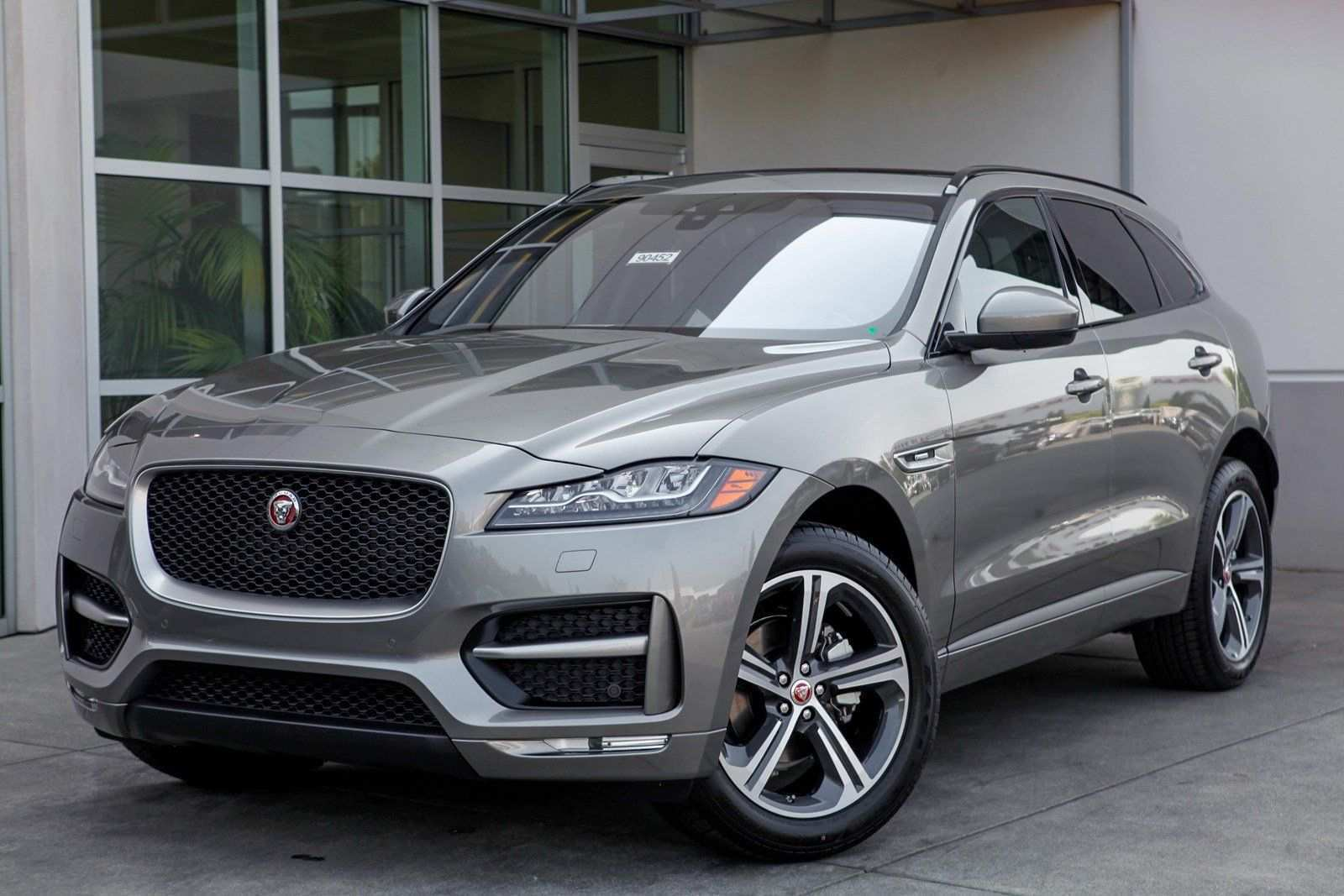 42 A 2019 Jaguar Station Wagon Spy Shoot