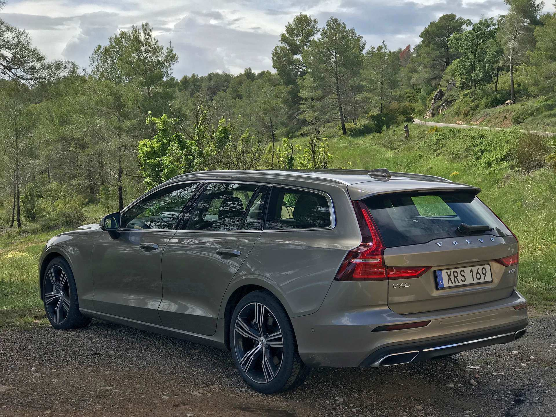 42 A 2019 Volvo V70 Exterior And Interior