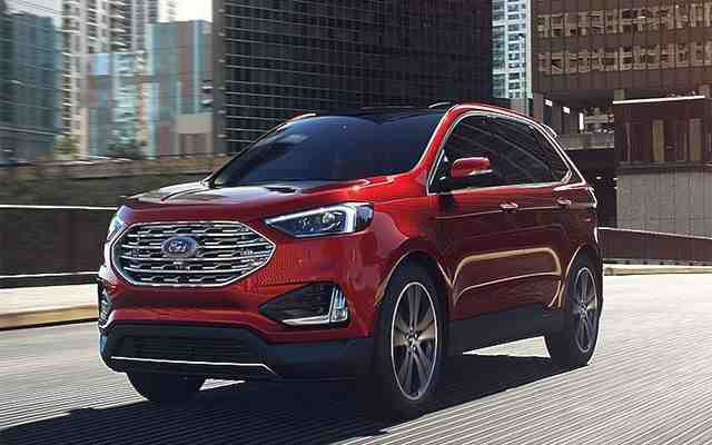 42 A 2020 Ford Edge Style