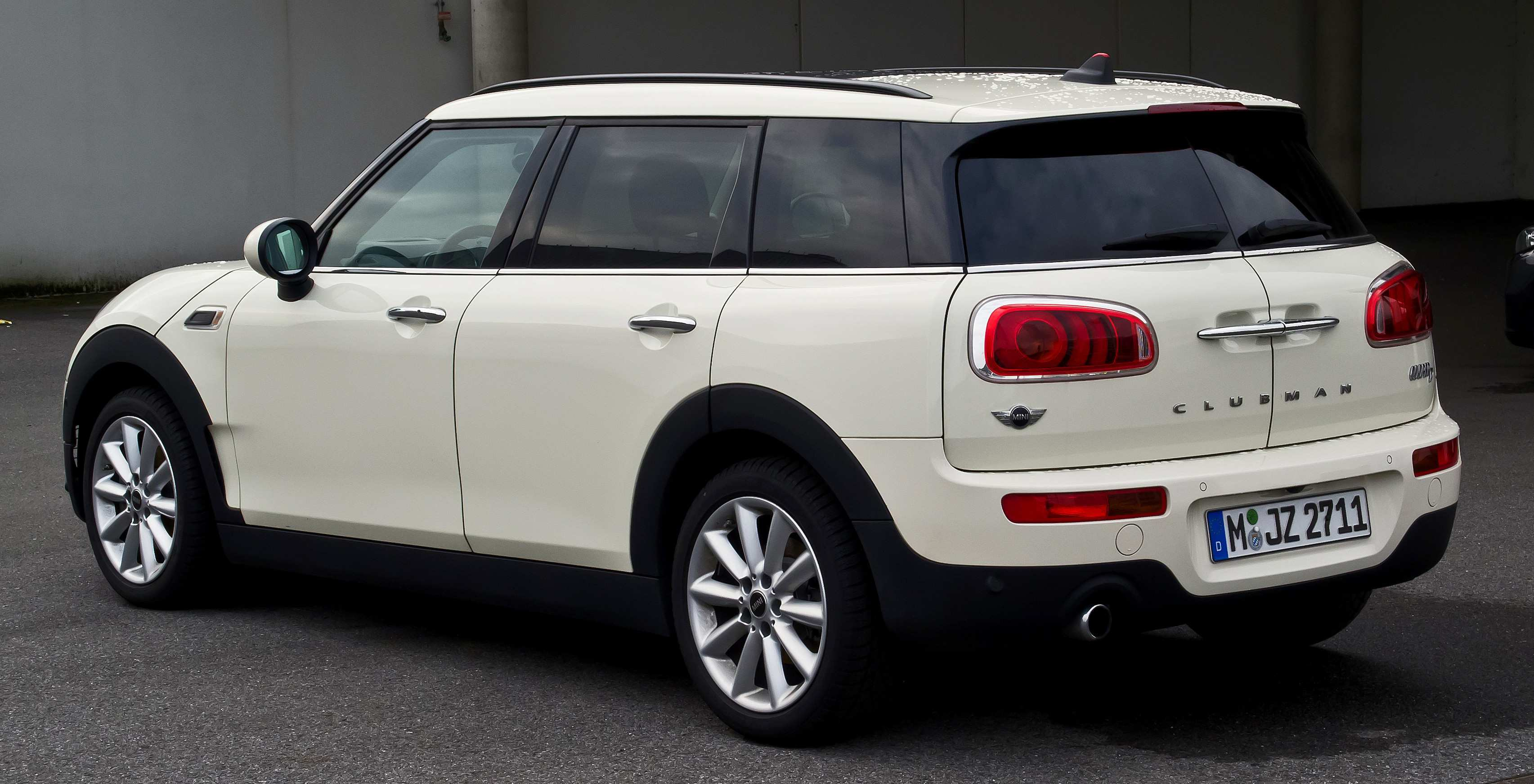 42 A 2020 Mini Countryman Configurations