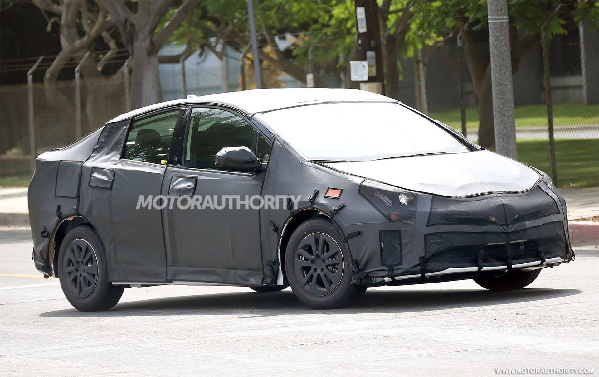 42 A Spy Shots Toyota Prius Spesification