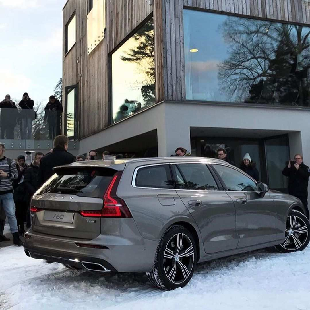 42 A Volvo 2019 Station Wagon Concept