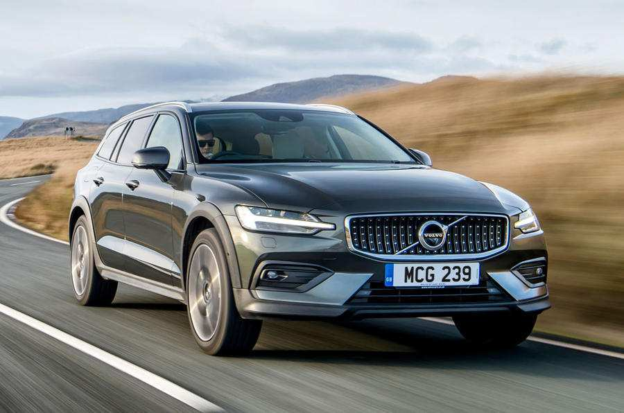 42 A Volvo 2019 V60 Cross Country Redesign