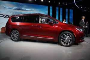 42 All New 2019 Chrysler Town Country Awd Exterior And Interior