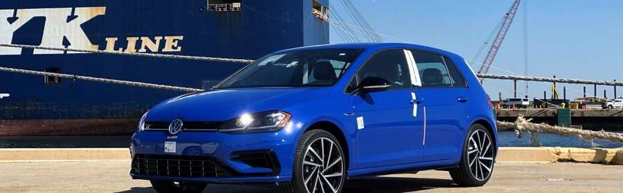 42 The 2019 VW Golf R USA Photos
