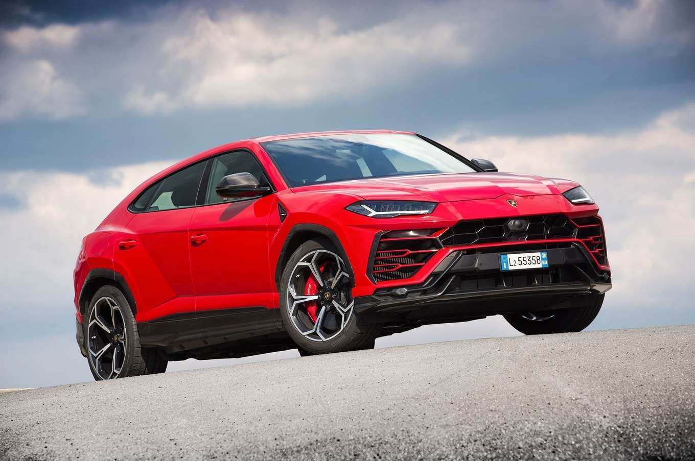 43 A 2019 Lamborghini Urus Exterior And Interior
