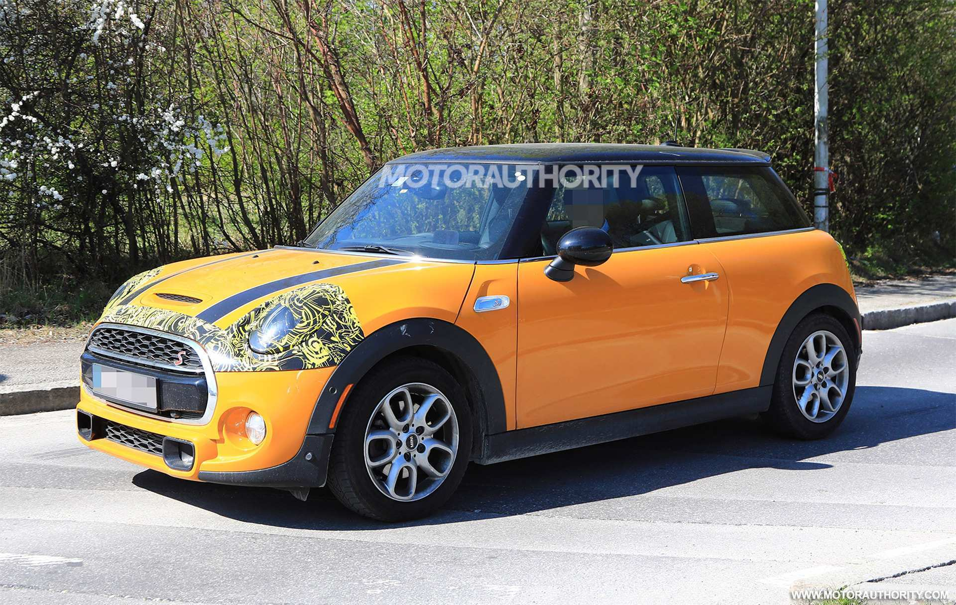 43 A 2019 Spy Shots Mini Countryman Concept And Review