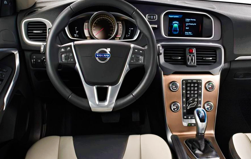 43 A Volvo V40 2019 Interior Overview