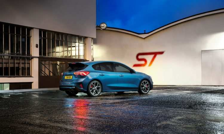 44 A 2019 Ford Fiesta St Rs Review