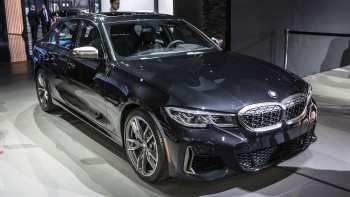 44 A 2020 BMW 3 Series Pictures