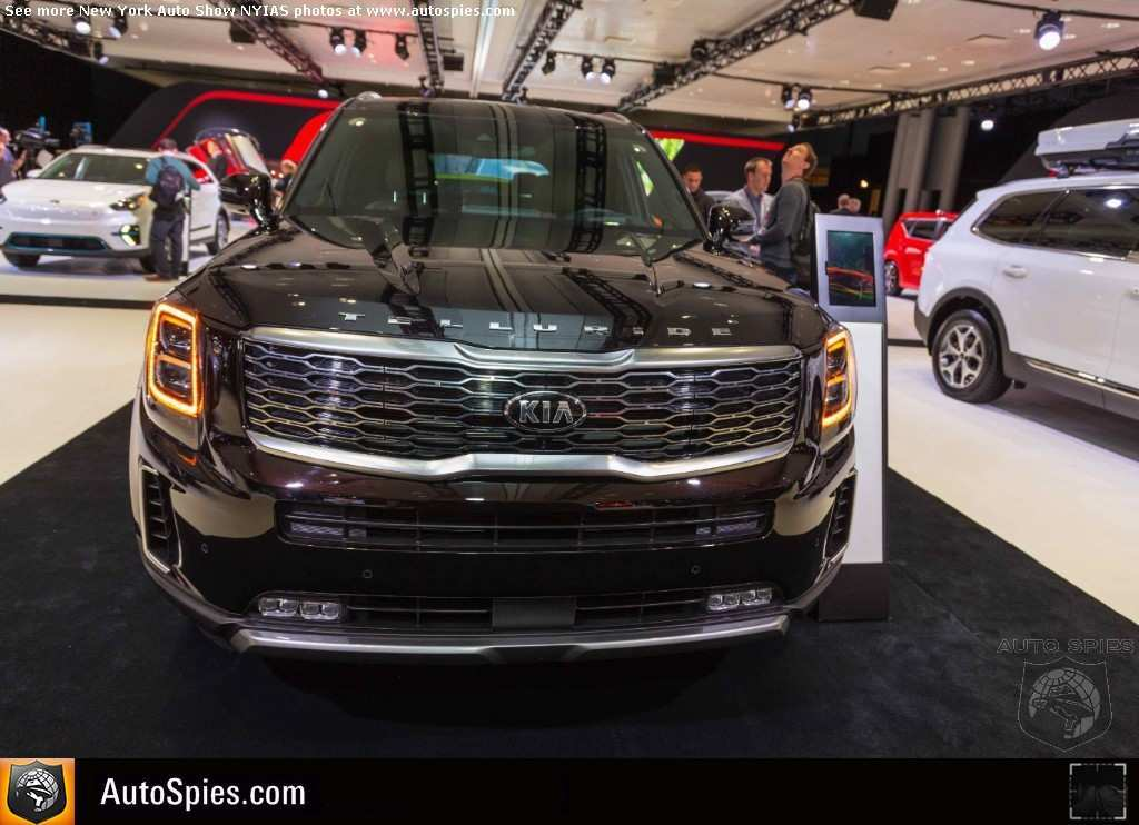 44 A 2020 Kia Telluride Black Copper Model