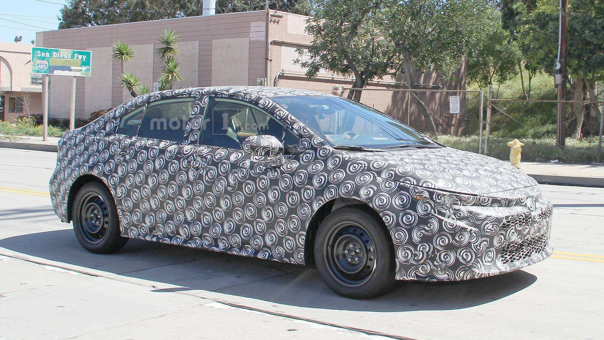 44 A 2020 Spy Shots Toyota Prius Overview