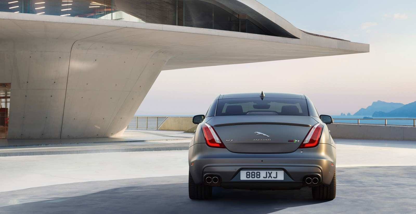 44 The 2020 Jaguar XJ Redesign