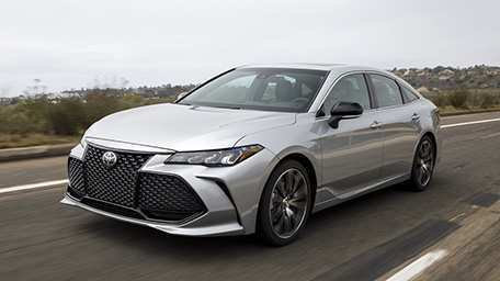 46 A 2019 Toyota Avalon Hybrid Research New