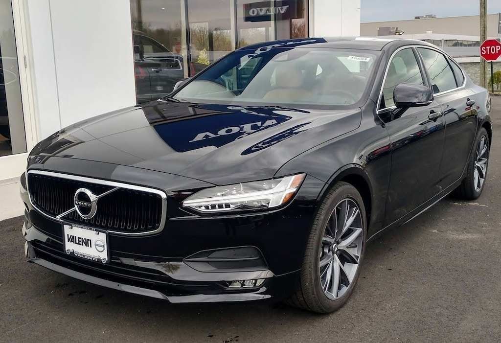 46 A 2019 Volvo S90 Style