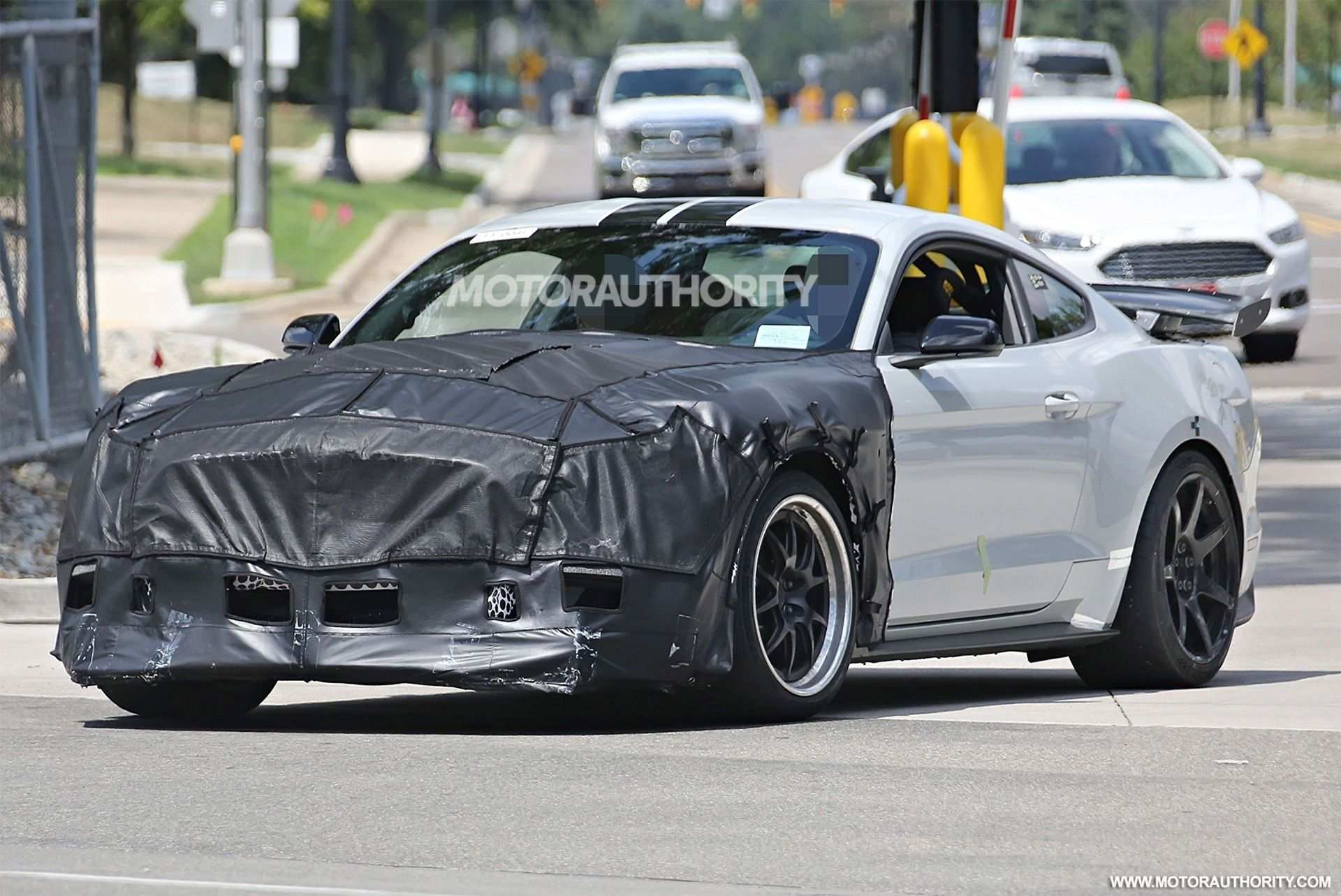 47 A 2019 The Spy Shots Ford Mustang Svt Gt 500 Price And Review
