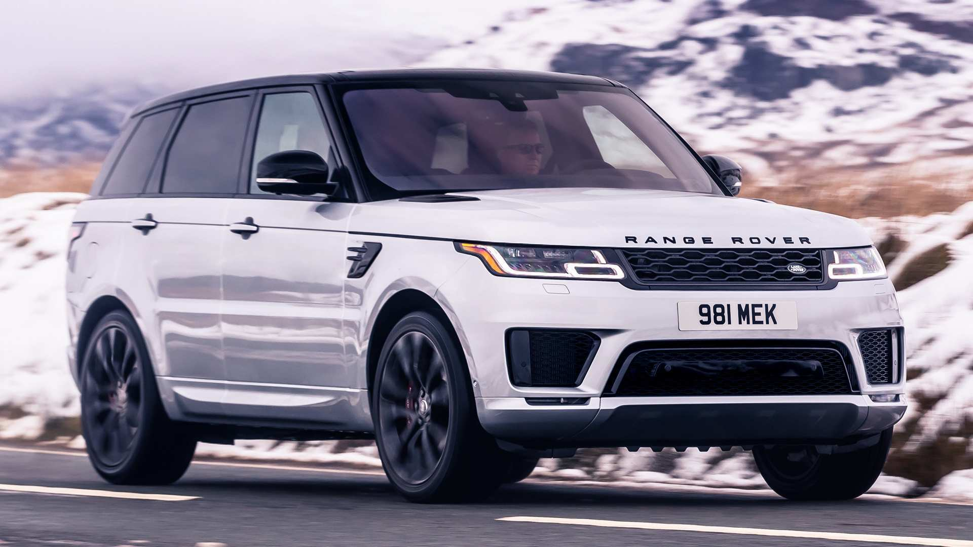 47 A 2020 Range Rover Sport Spy Shoot