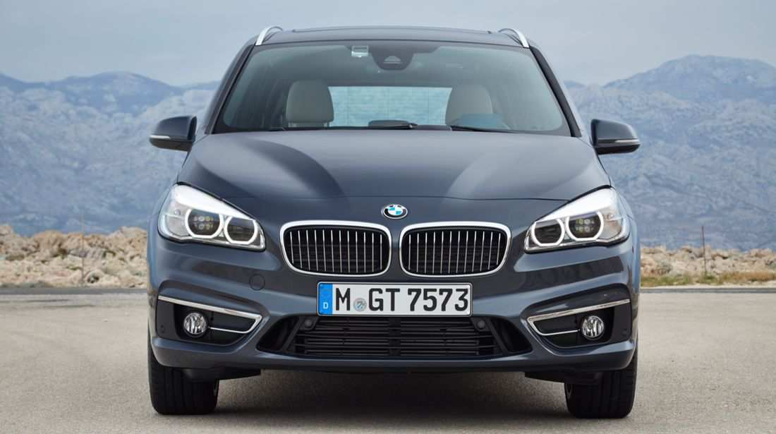 48 A 2019 BMW 220D Xdrive New Review