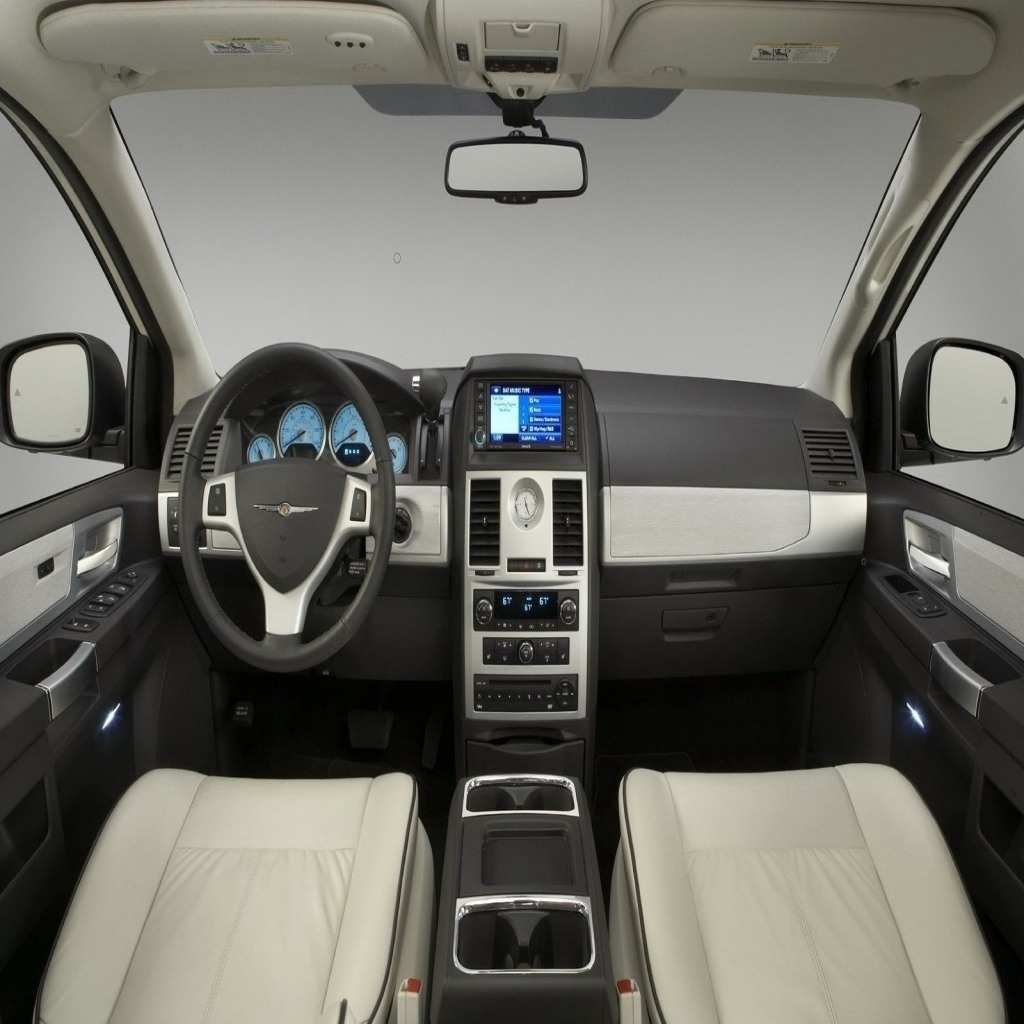 48 A 2020 Chrysler Town Overview