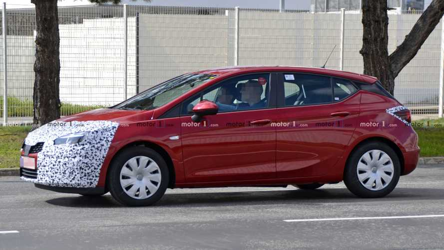 49 A 2019 New Opel Astra Spy Shoot