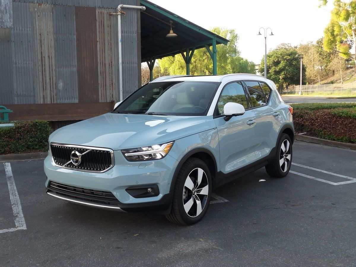 49 A 2019 Volvo Xc40 Gas Mileage Picture