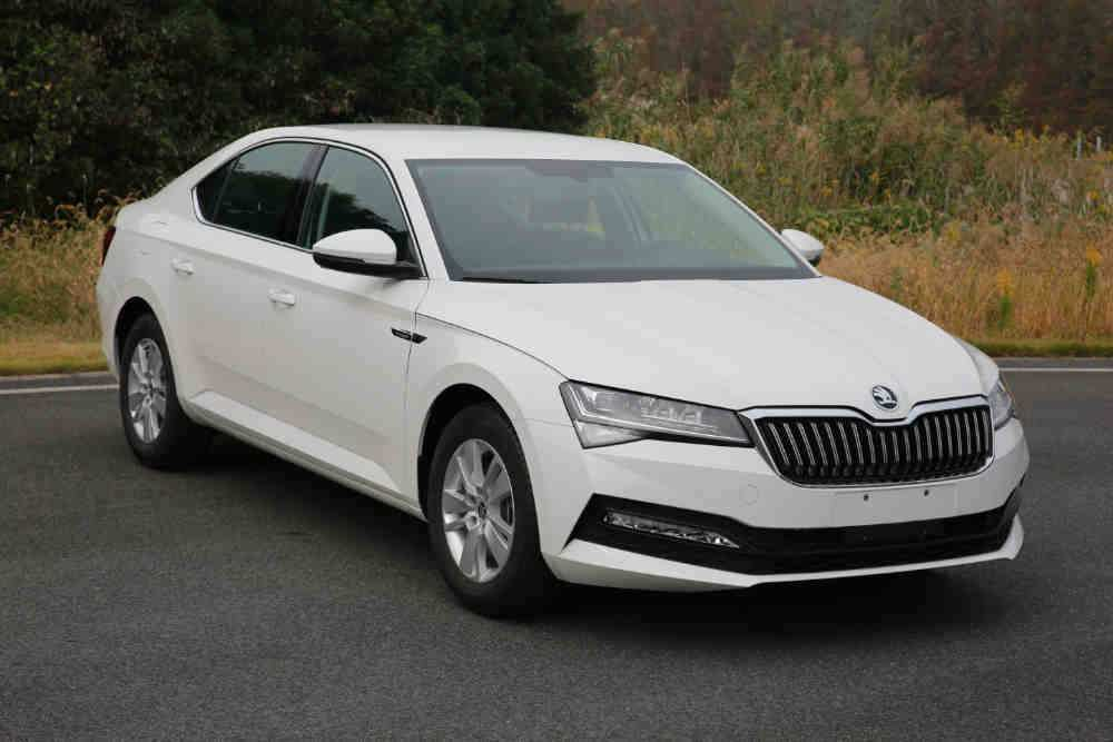 50 A 2019 New Skoda Superb Review