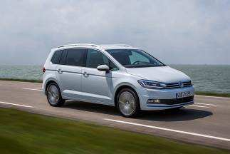 50 A 2019 VW Touran Photos