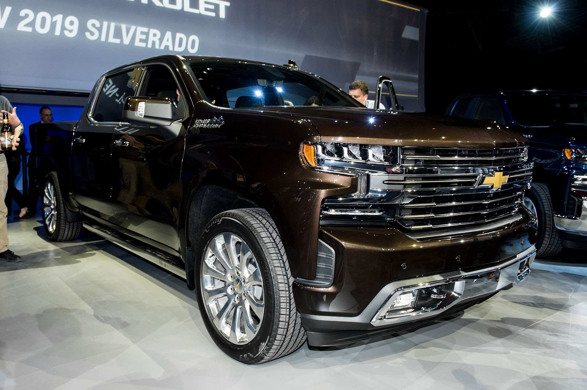 50 New 2019 Chevy Suburban 2500 Z71 Specs And Review